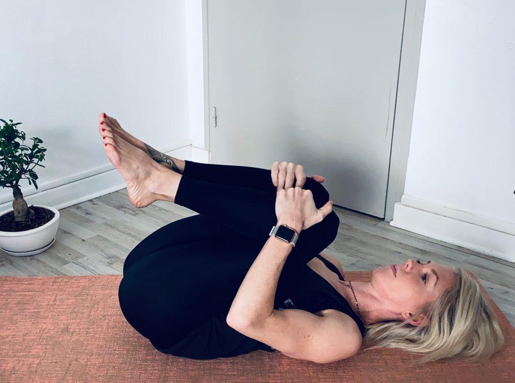 posture pilates lombaire pour soulager mon mal de dos